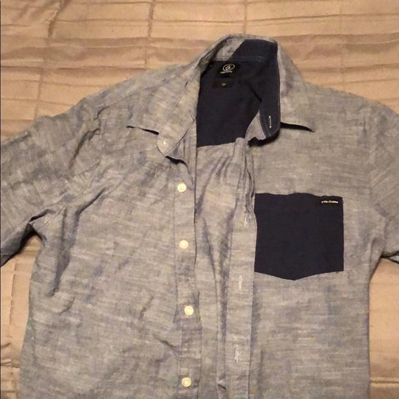 Volcom Other - Men's button down shirt by volcom
